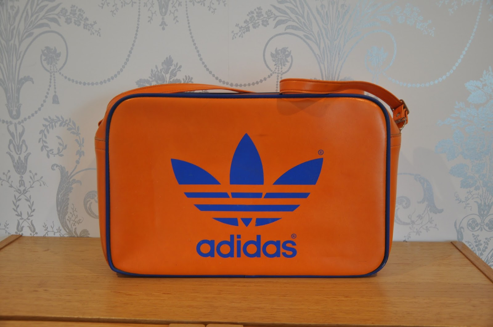 803a607149 1970s vinyl sports holdall manufactured under licence by Peter Black.