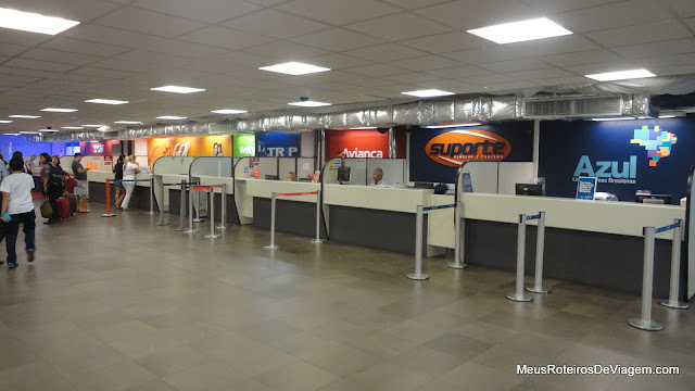 Lojas da companhias aéreas no Aeroporto Internacional Hercílio Luz - Florianópolis