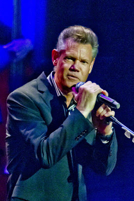 https://en.wikipedia.org/wiki/Randy_Travis