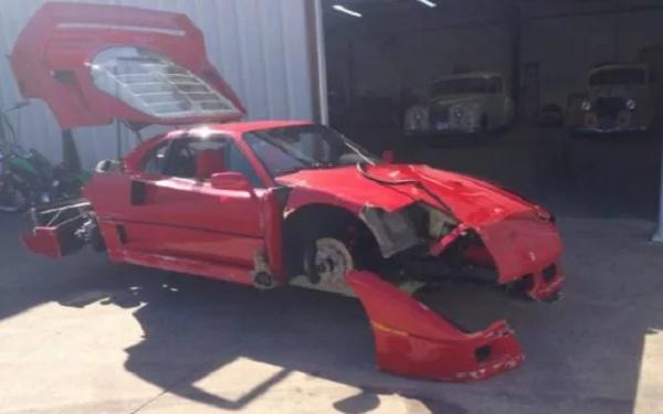Ferrari F40 restaurada por Gas Monkey