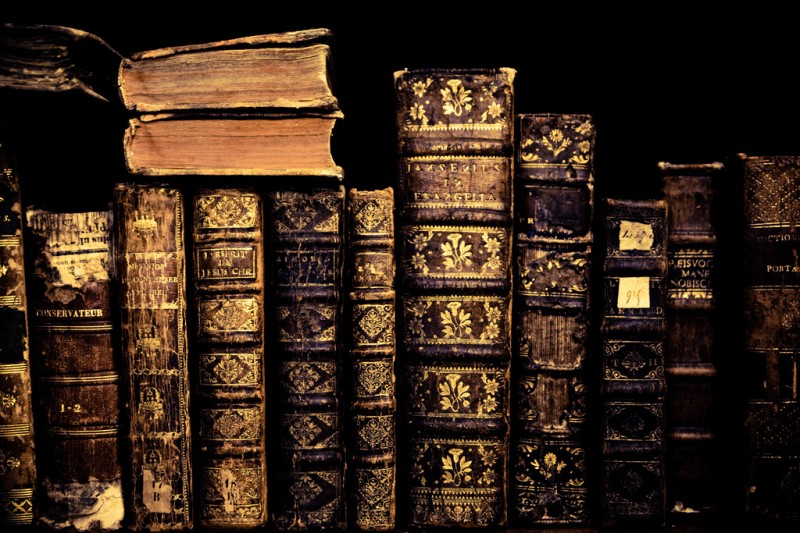 Writer's Resource: Fun Book Fact: Old Book Smell