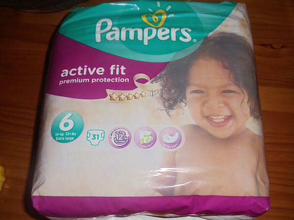 Mummy 2 Monkeys takes the Pampers #BritainsDriestNappy test