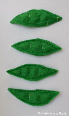Fruits and Veggies | DIY Peas Felt Food | by CustodiansofBeauty.blogspot.com