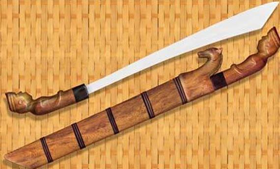 sangat dipengaruhi oleh budaya tradisional masyarakat Melayu dan budaya Jawa 4 Senjata Tradisional Lampung, Gambar, dan Keunikannya