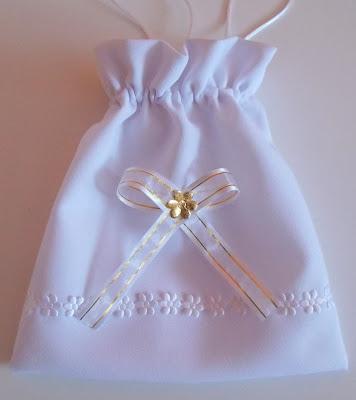 Jak uszyć torebkę komunijną w kształcie woreczka?
