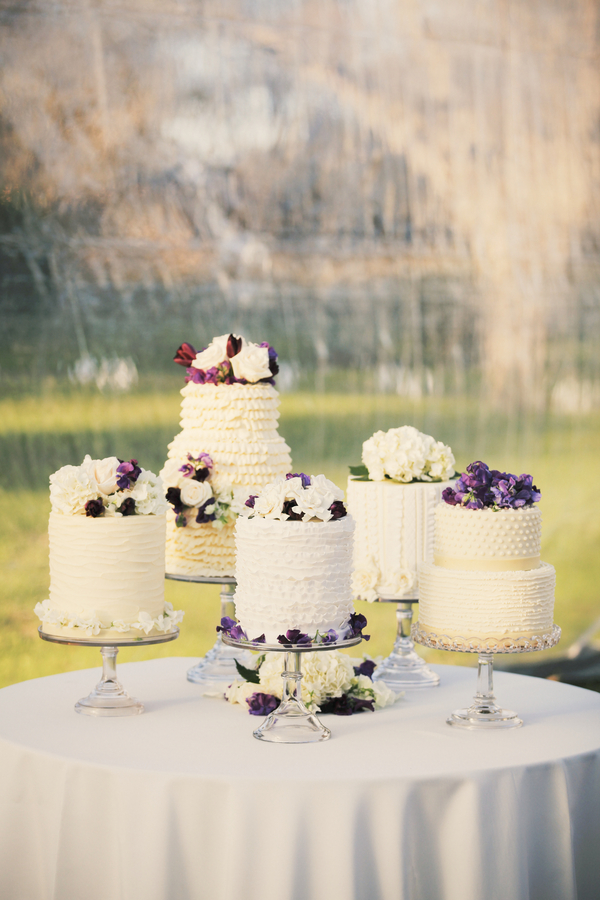 Rustic+classic+traditional+black+tie+platinum+wedding+bride+groom+rowing+country+club+purple+modern+succulents+succulent+centerpieces+lighting+lights+Gideon+Photography+16 - Black Tie & Cowboy Boots Required