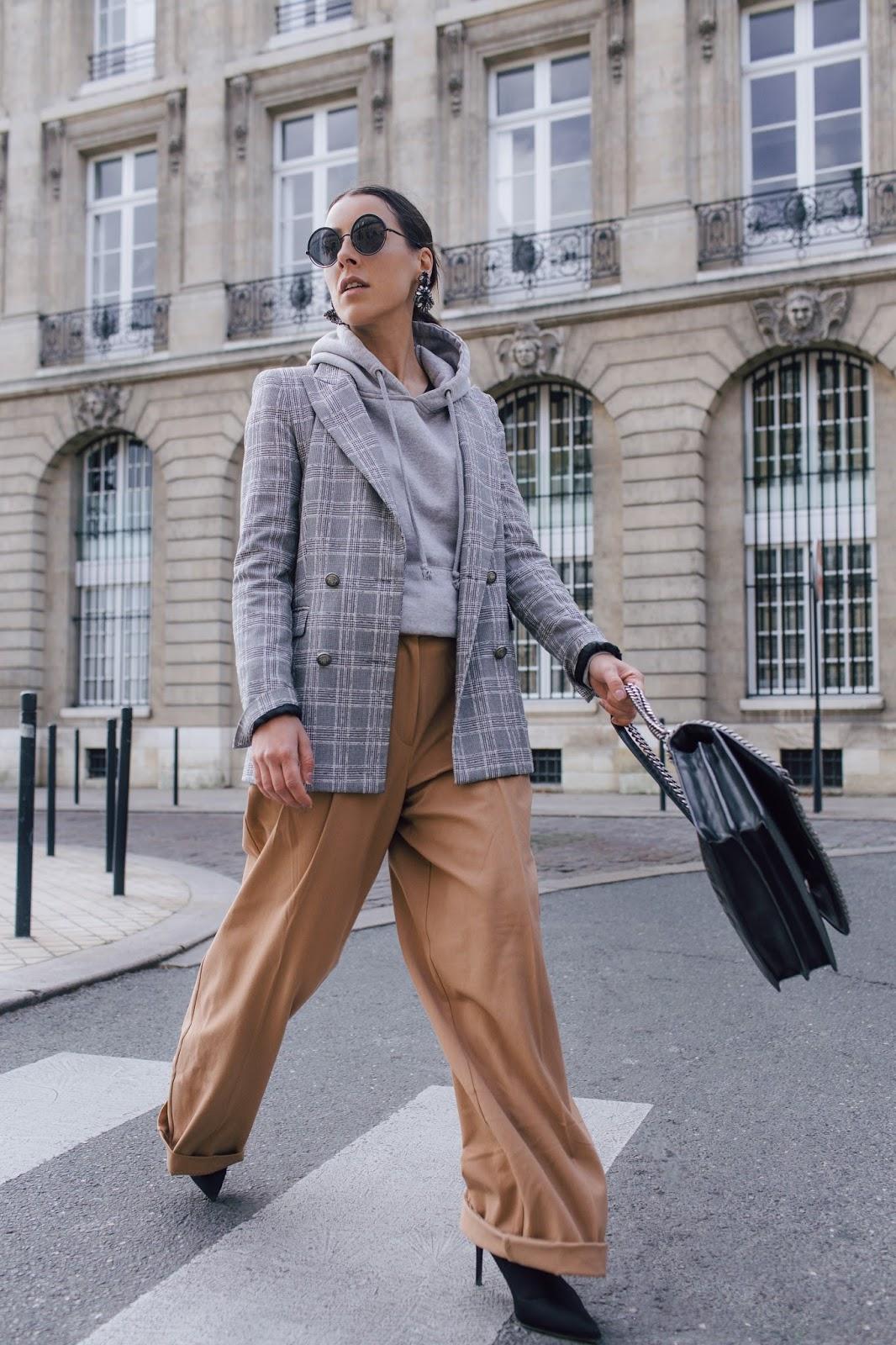 idée de look pantalon oversized pull à capuche