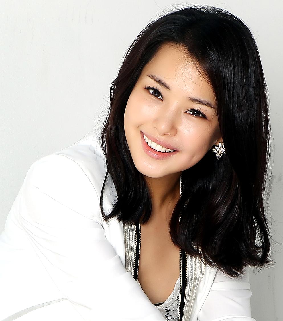 Peaches And Cream Femme Lee Ha Nui ̝�하늬