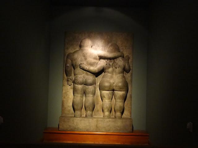 ボテロ作品「男女のカップル」(ボテロ博物館)