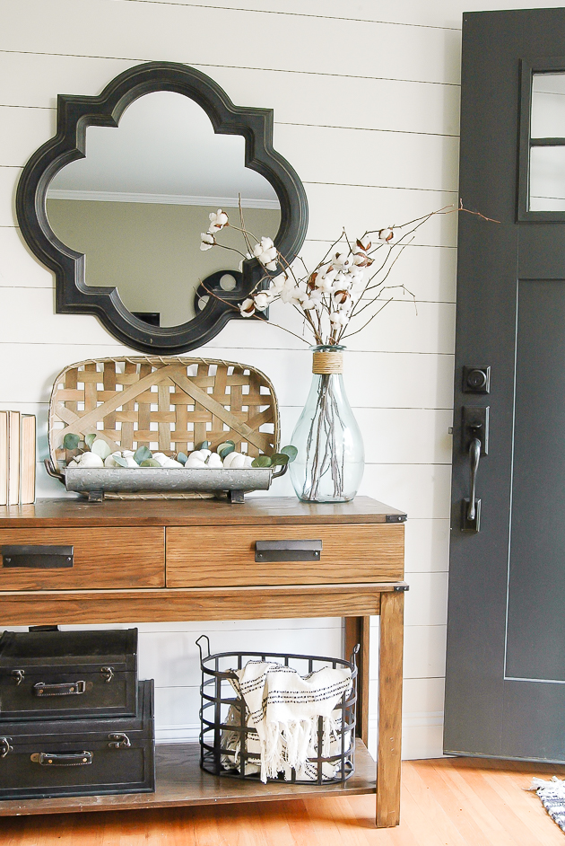 Modern farmhouse fall entryway