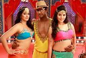 Madha Gaja Raja Movie Stills-thumbnail-10