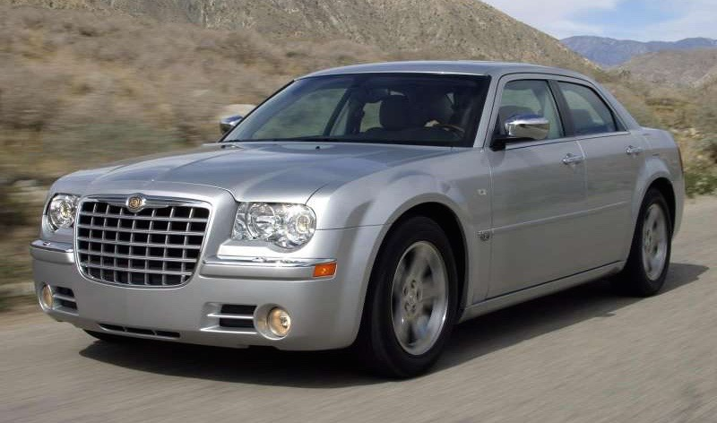 The 300 Had Rear Wheel Drive So Long Front Overhang Of Contemporary Cars Is Absent Resulting In A Solid Stance And More Clic