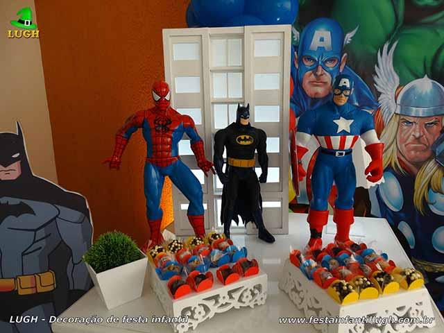 Mesa de aniversário Super Heróis - Decoração de festa infantil