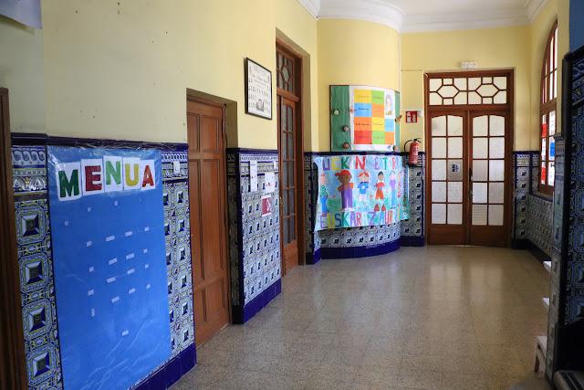 Pasillo del colegio La Milagrosa