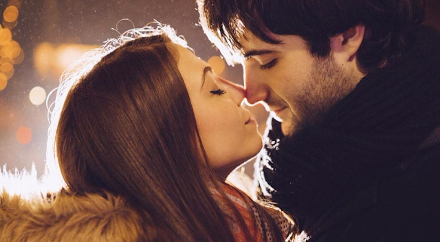 8 Mistakes That Couples Often Commit When They Kiss Their Partner!