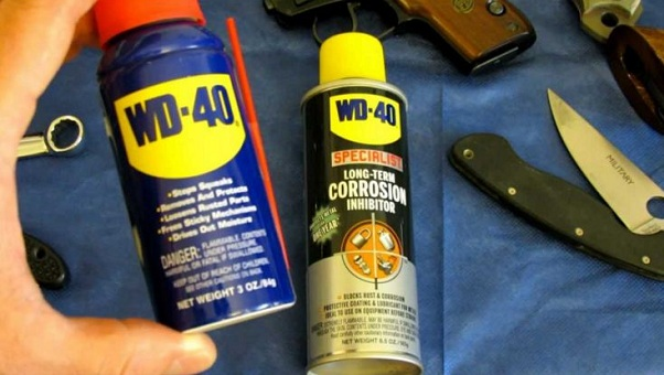 WD-40 sebagai pembersih kerak atau karat mesin