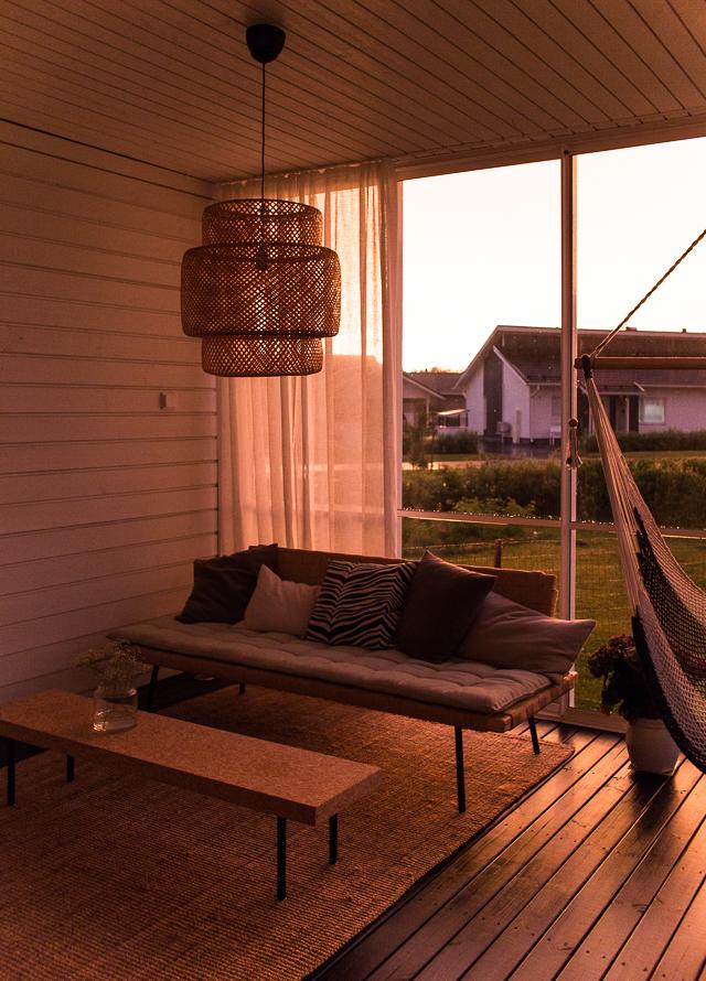 Villa H, terassi, auringonlasku,