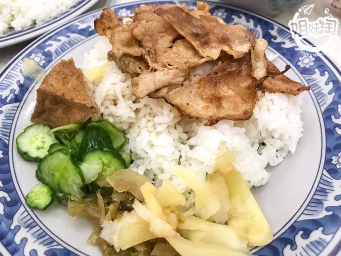 東山燒肉飯-三民區小吃推薦