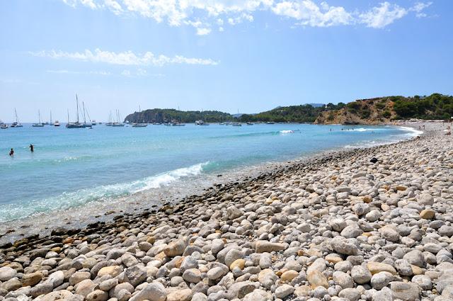Praia Cala Jondal em Ibiza