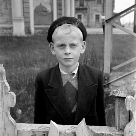 Photo by Vivian Maier | imagenes bonitas bellas, cool vintage kids pics, pictures, retratos en blanco y negro
