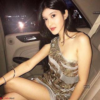 Star Kids Ananya Pandey and Shanaya Kapoor in Bikini ~  Exclusive