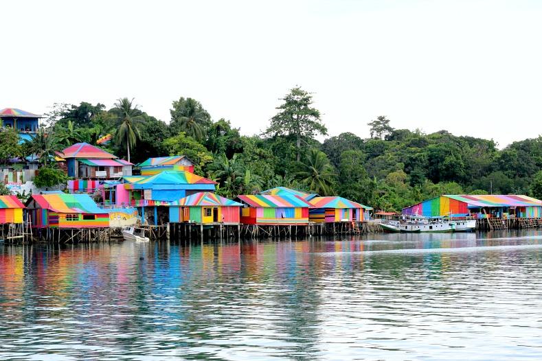 Kei Islands, maluku, Tual, Rainbow Village