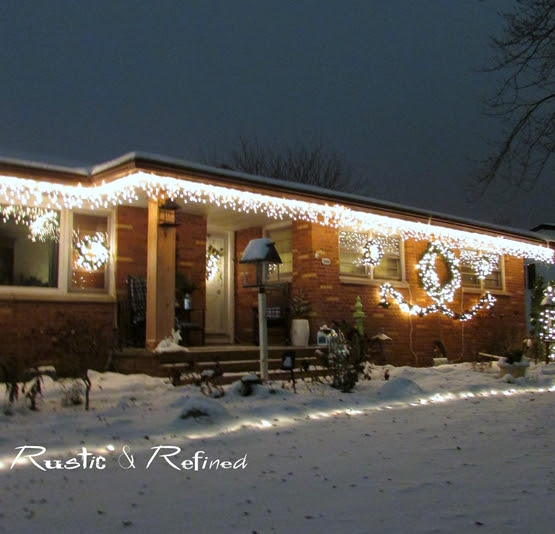 How To Hang Christmas Lights The Easy Way Rustic Refined