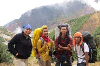 Selamat Saat Mendaki Gunung