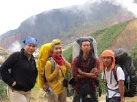Perhatikan 5 Hal Penting Ini Jika Ingin Selamat Saat Mendaki Gunung