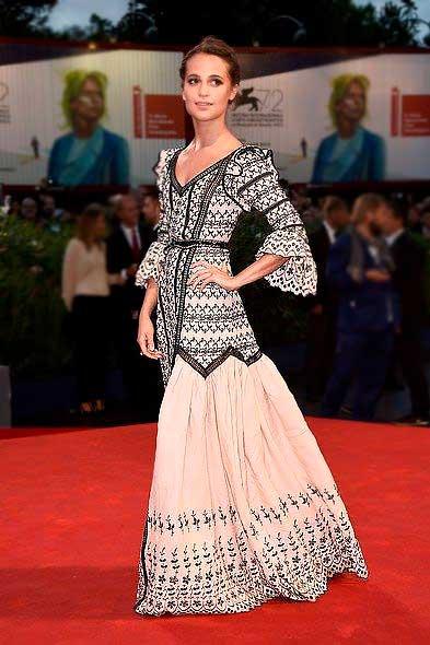 Alicia Vikander vestidos festa