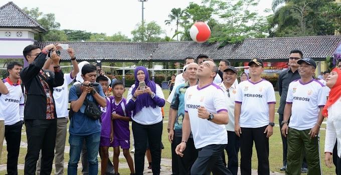 Bola Sundul Tangerang Masuk Rekor MURI