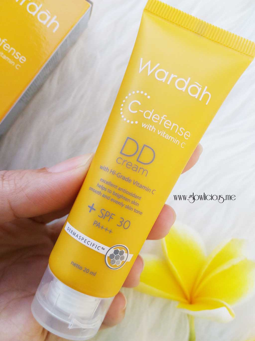 Wardah C-defence DD Cream in Light Shade.