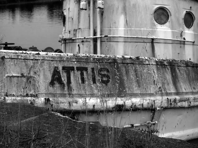 Remorqueur américain au port de Redon