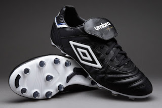 But Bola Umbro Speciali