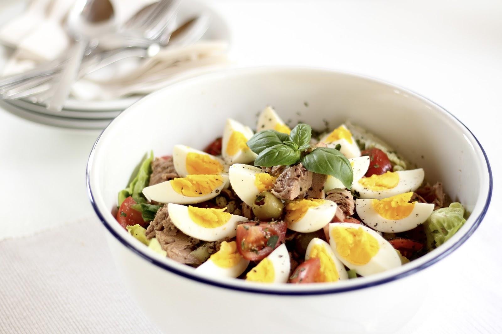Menueplan Clean Eating Style - Vollwertig kochen und fit in den Frühling: Salat Nizza