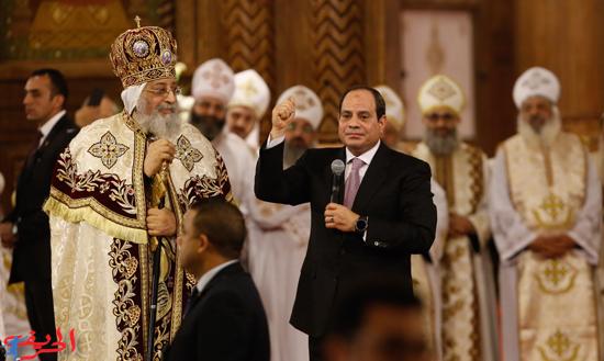 السيسي يحتفل بعيد الميلاد مع الأقباط في كاتدرائية المسيح
