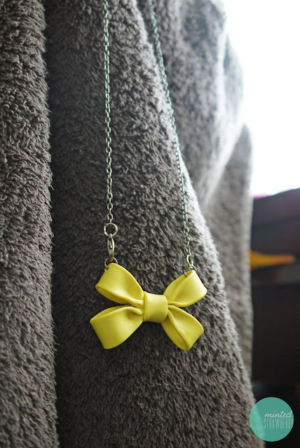 double-bow-necklace-polymer-clay