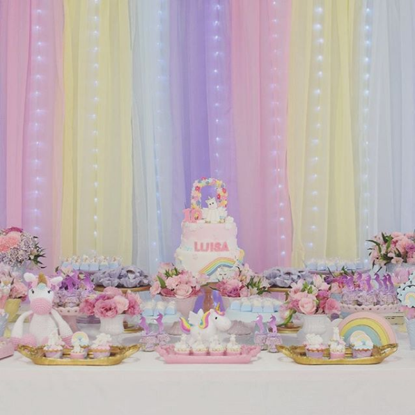 101 fiestas baby shower for Diseno de mesa de unicornio