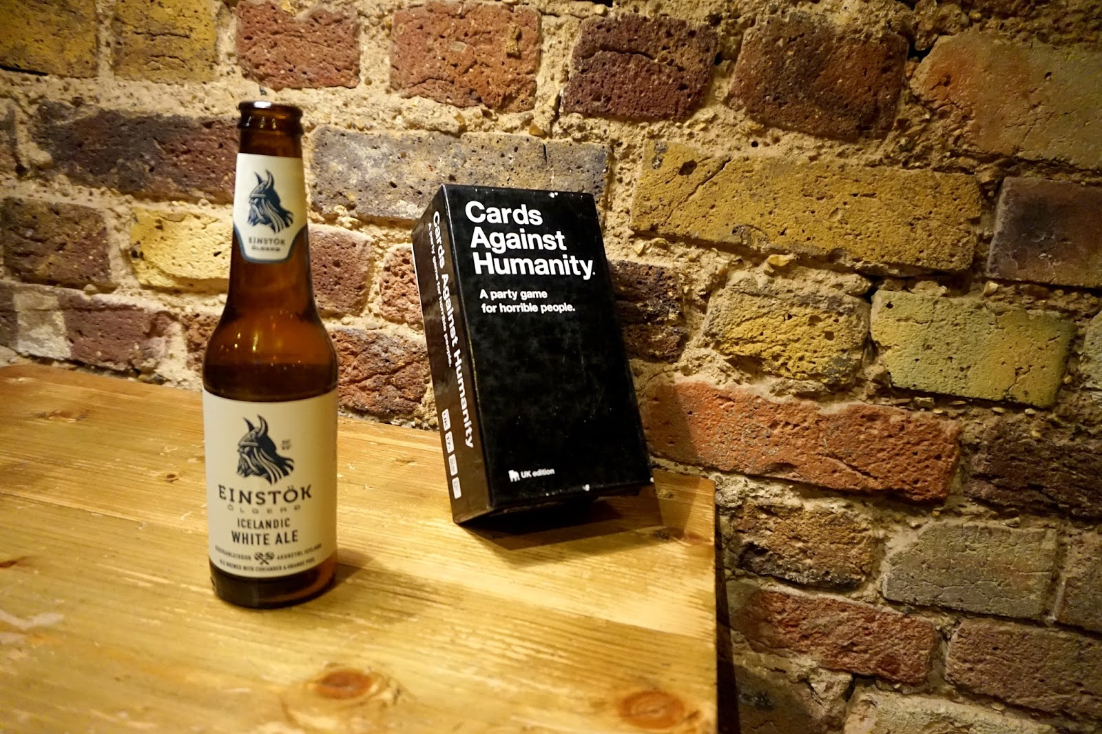 "<img src=""tommis burger joint kings road.jpg"" alt=""pale ale and board games"" />"