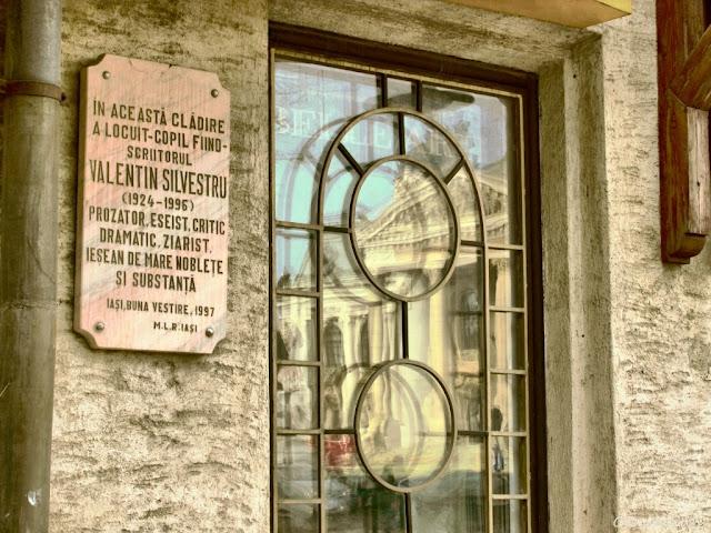 Casa în care a locuit Valentin Silvestru - blog FOTO-IDEEA