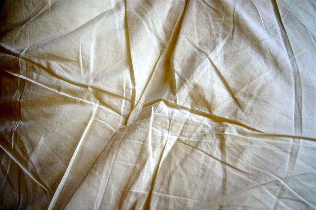 bentuk kain kafan laki-laki dan perempuan