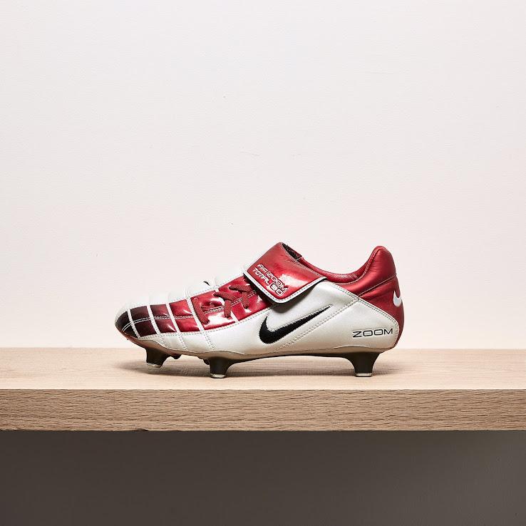 10441c8ad02ba ... aliexpress closer look nike air zoom total 90 ii 2002 football boots  footy de239 dd838