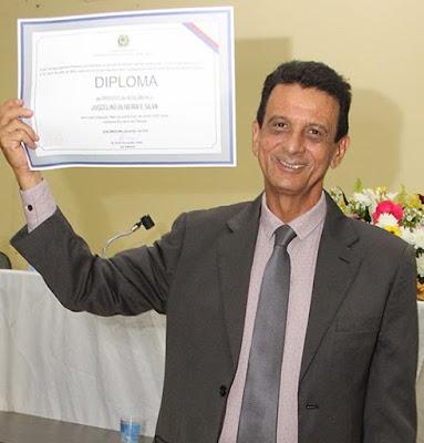 Resultado de imagem para prefeito juscelino oliveira