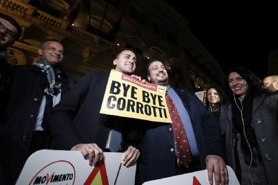 Law passed in Italy for the corrupted: they will leave for life