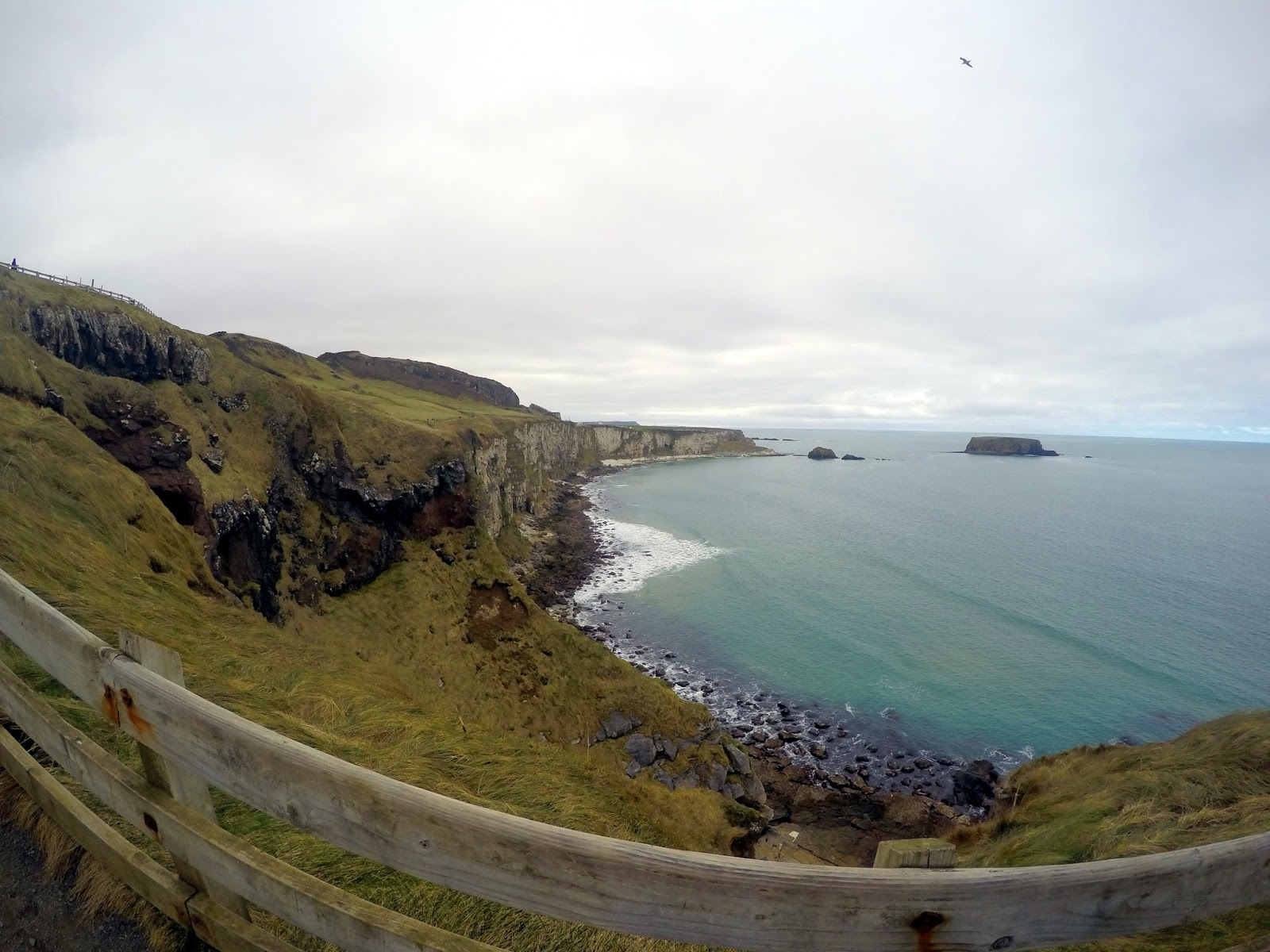 Carrick-a-rede, Carrick a rede, ropebridge, scary, Northern Ireland, Ulster, Antrim, Antrim coast, Causeway coast, Giant's Causeway, Adventure, what to do in Northern Ireland, How to get to carrick a rede, amazing scenery, beautiful, views