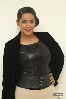Mumaith Khan Stills at Thikka Audio Launch