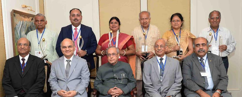 Lakshmipat Singhaniya Leadership Award