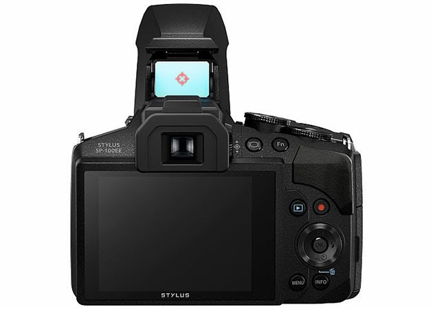 كاميرا من شركة Olympus بتقريب 50 مرّة ويوجد شيء مميز فيها