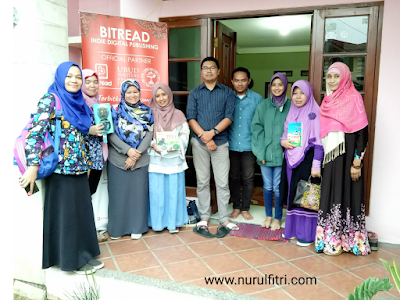 http://www.nurulfitri.com/2017/12/seputar-penulisan-dan-penerbitan.html