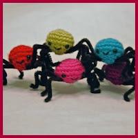 Arañitas de colores amigurumis